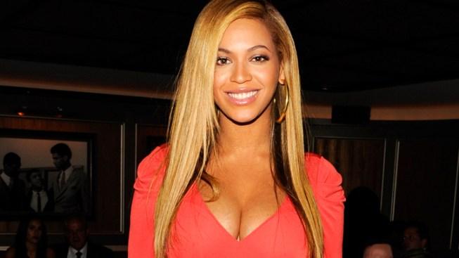Beyonce Scores Journalism Award