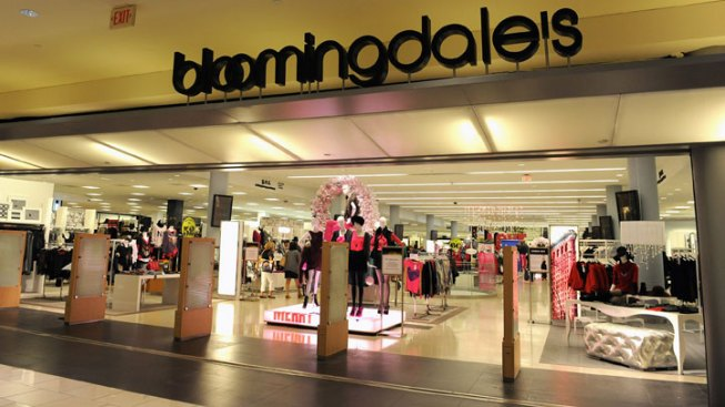 Bloomingdale's Looks to Hire