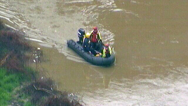Police Searching for Man Who Jumped into River