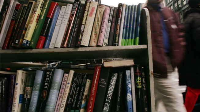 Books for a Buck in Farmers Branch