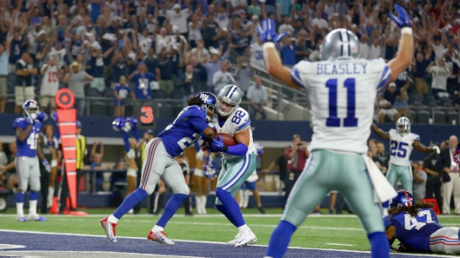Romo Magic Carries Cowboys Past Giants in Opener, 27-26