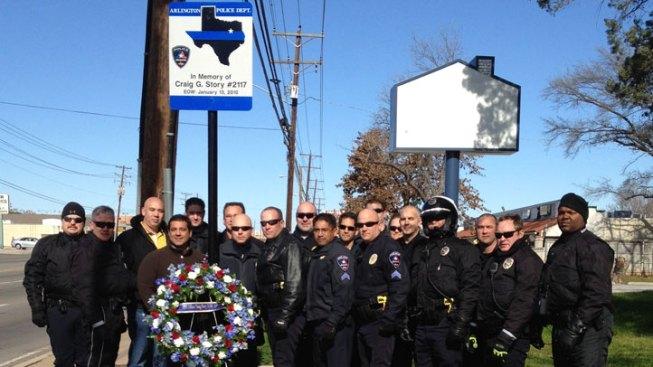 Arlington Unveils Last of 8 Memorial Wreaths