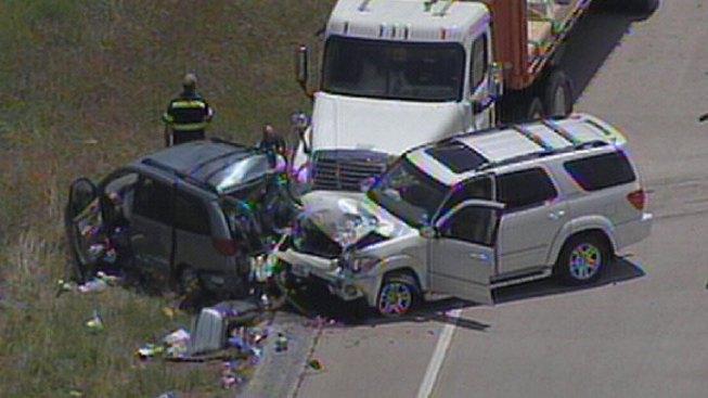 3-Vehicle Crash Closes SH 114 at Davis Boulevard