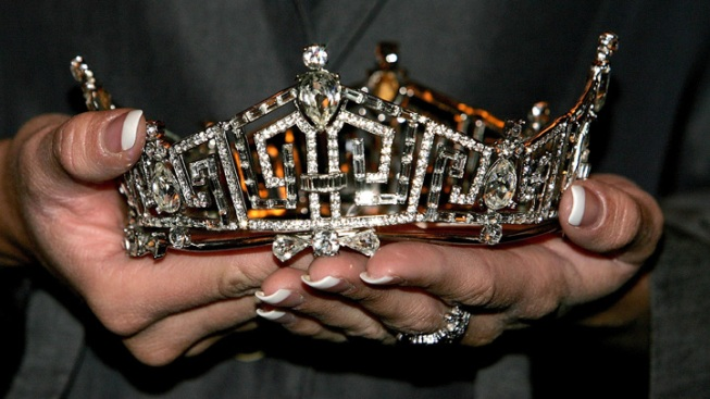 Puerto Rico Miss Universe Contestant Stripped of Crown