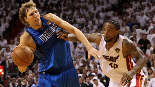 Dirk to Play With Torn Tendon