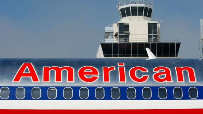 American Airlines Plane Goes Off DFW Airport Taxiway