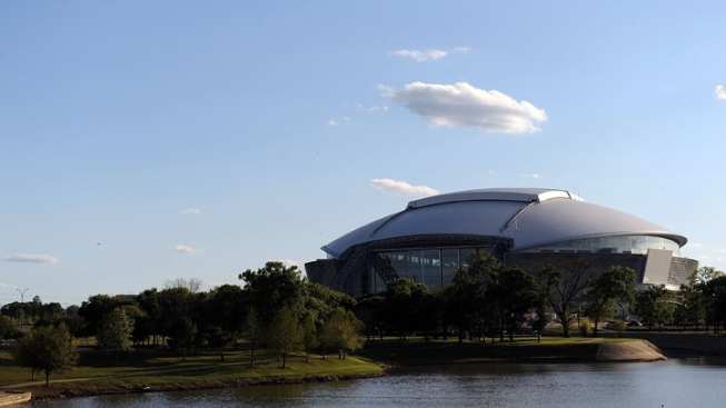 Cowboys Stadium Wants College Football Championship