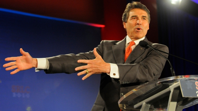 Gov. Perry to Undergo Minor Back Surgery
