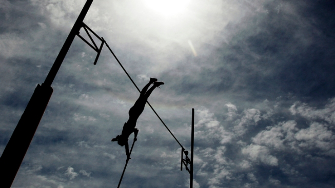Blind High School Pole Vaulter in TX Nearly Medals
