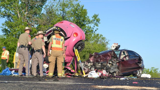 4 Killed in Head-On Crash in Erath County