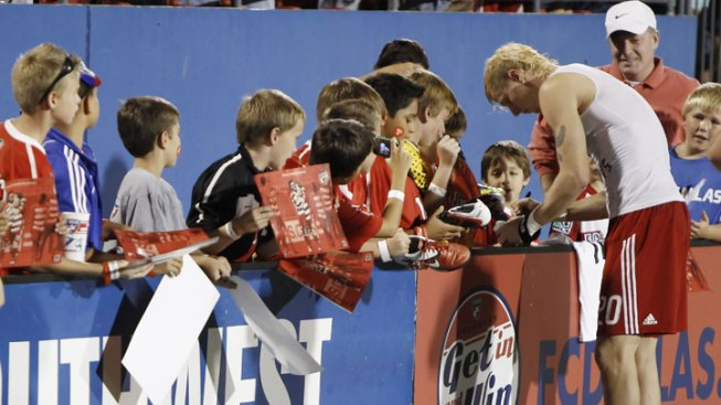 Toronto FC Blanks FC Dallas 3-0