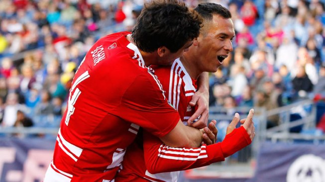 Blas Perez Lifts FC Dallas Past Revs
