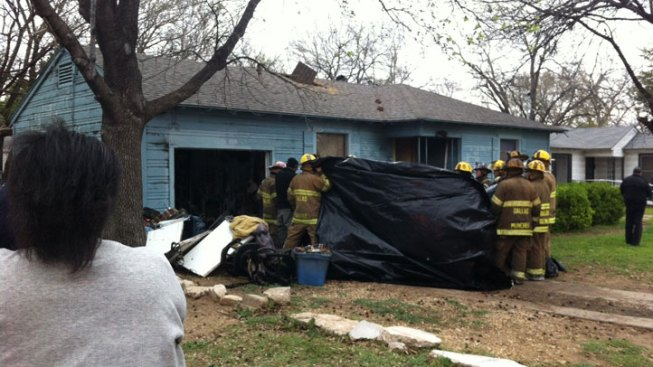 Woman Killed in Dallas House Fire
