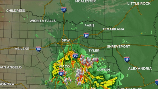 Severe Weather Moves into North Texas