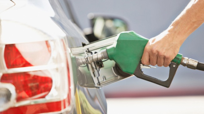 Gas Prices Continue to Fall Across Texas