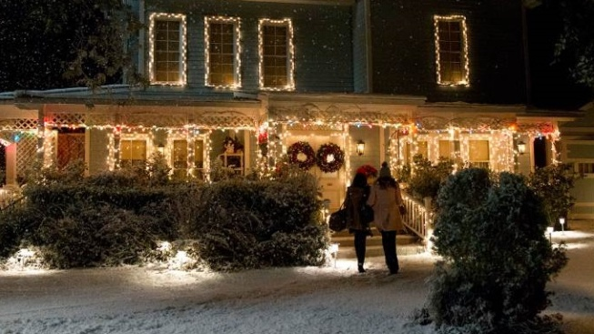 'Gilmore Girls Holiday' Returns to WB Studio Tour