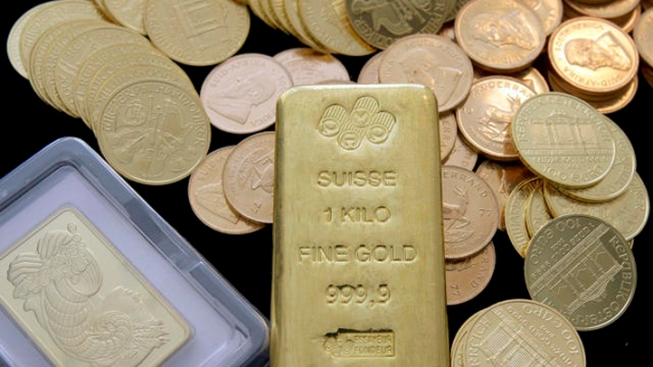 $1 Million in US Gold Coins Fall from French Rafters
