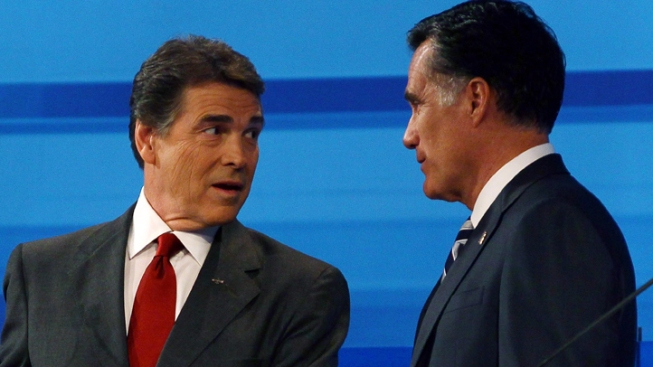 Perry, Republicans to Pile Up on Romney at Debate