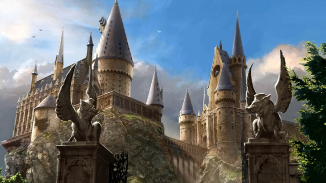"Fans Agog at Hogwarts in New ""Potter"" Studio Tour"