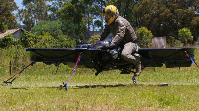 Australian Builds 170-mph Hovercraft with Motorcycle Engine