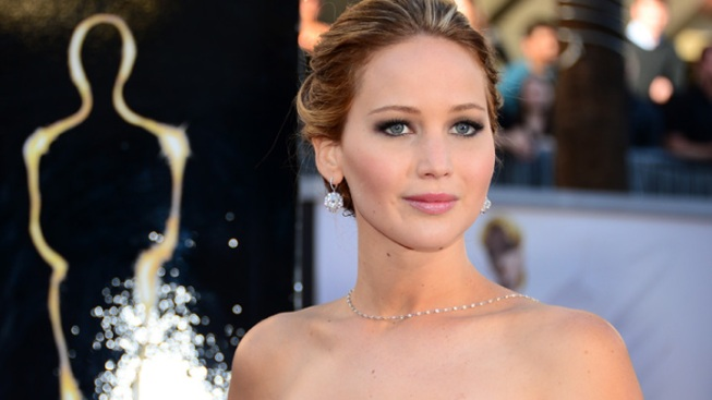 """Jennifer Lawrence's """"Silver Linings Playbook"""" Costumes Up for Auction"""
