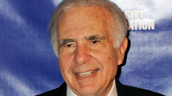 Ex-Trump adviser Carl Icahn hit with subpoena