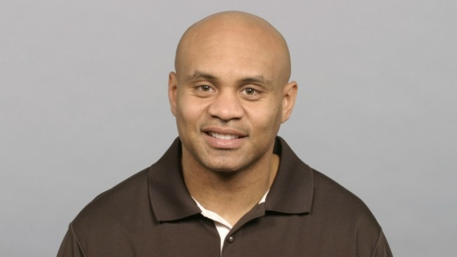 Secondary Coach Jerome Henderson to Interview for Browns HC Job
