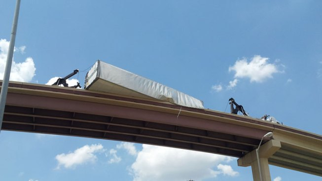 18-Wheeler Overturns, Closes Ramp on George Bush Turnpike