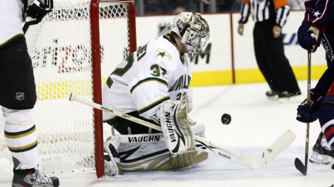 Stars Hang On to Beat Blue Jackets
