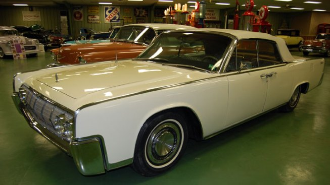 LBJ's Personal Lincoln Continental Up For Auction