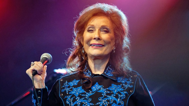 Loretta Lynn Hospitalized Following Stroke, Postpones Upcoming Performances