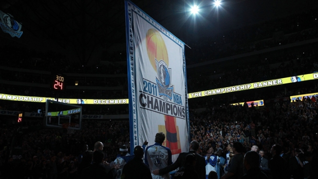 Mavericks Raise Banner, Lose Game