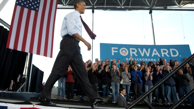 Obama, Romney Fight for Working-Class Voters in Ads