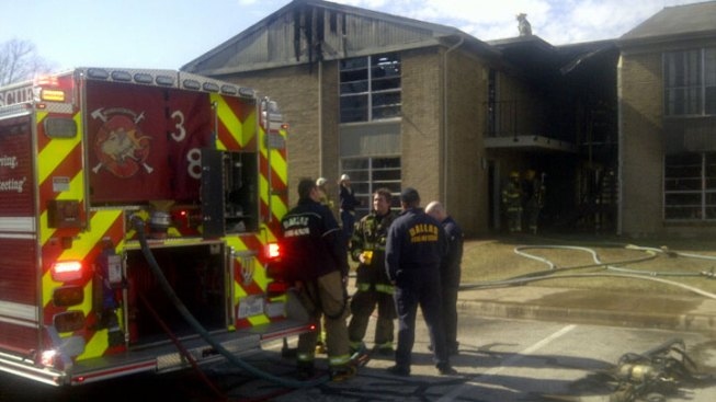 16 Displaced in Oak Cliff Apartment Fire