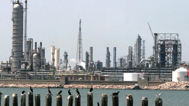 Three Refineries Lose Power Monday