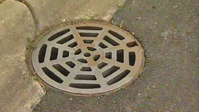 New Texas Trend: Stealing Manhole Covers