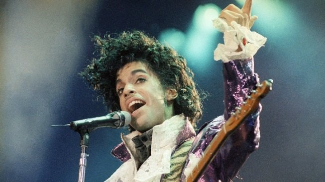 'Purple Rain' Playing in Theaters Again in Honor Of Prince