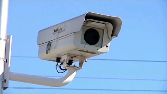 Study Says Red-Light Cameras Reduce Crashes