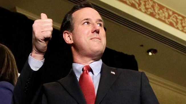 A Surging Santorum Perfects the Sweater Vest