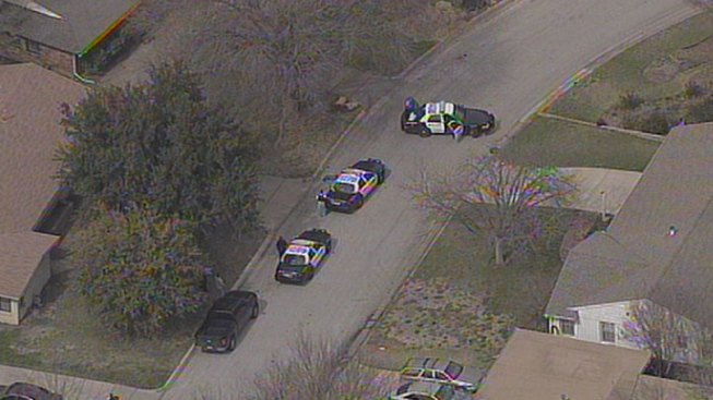 2nd Person Barricades Self in Fort Worth