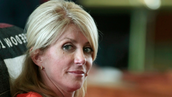 Wendy Davis Promises Decision on Governor's Race by Labor Day