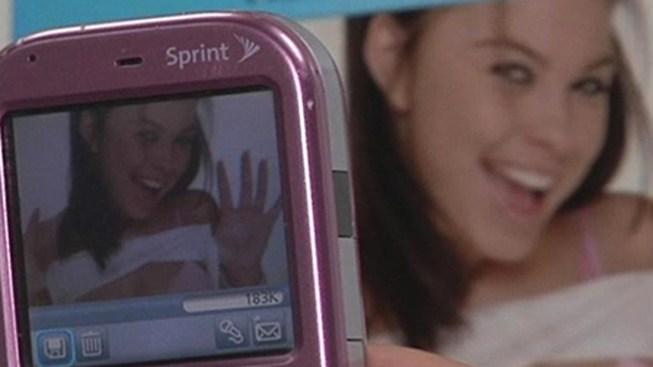 'Sexting' 'Cyberbullies' Way into OED