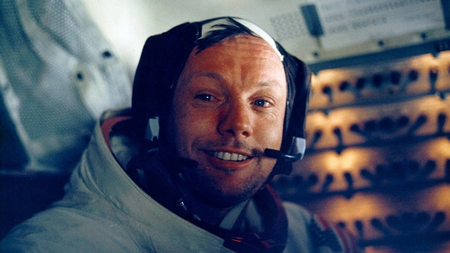 National Leaders and Colleagues Mourn Neil Armstrong