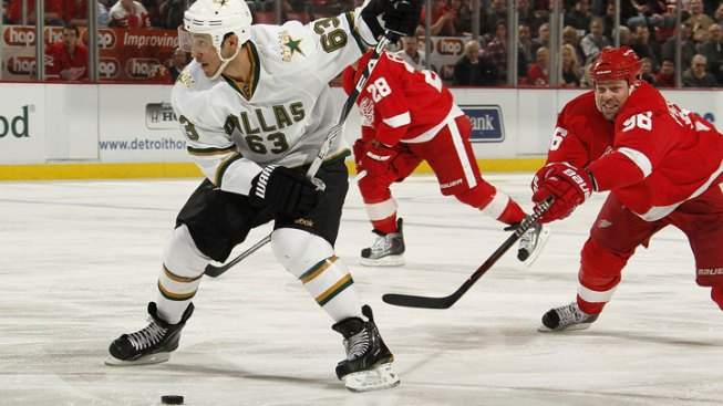 Stars Snap Slump,  Defeat Red Wings