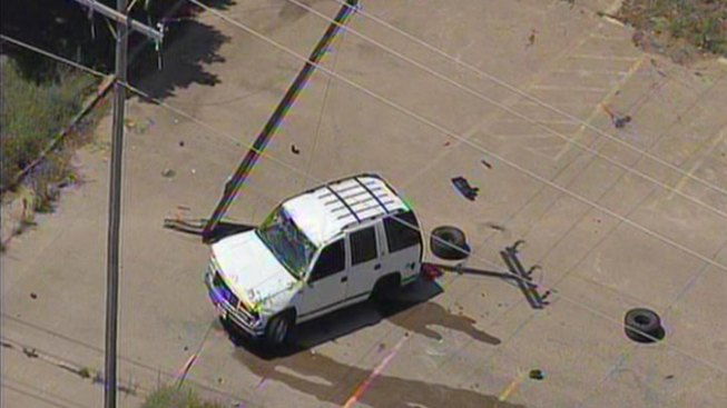 One Dead in Rollover Crash in Lewisville