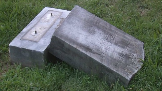 Tombstone Fatally Crushes Cemetery Worker