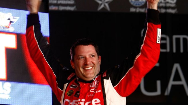 Stewart Wins at Texas; Only 3 Points from Edwards