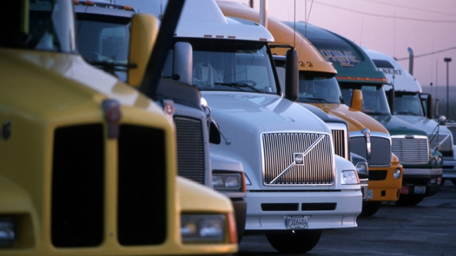 NTSB Wants Nationwide Ban on Mobile Use by Commercial Drivers