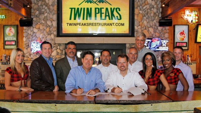 Hooters Execs Fly Coop for Twin Peaks