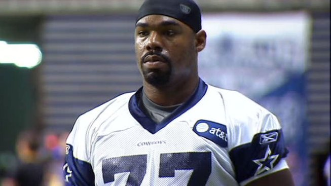 Tyron Smith Makes Top Ten NFL Moves